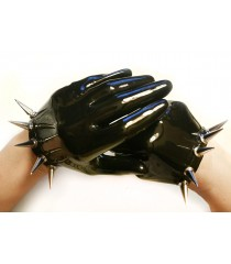 Short Gloves with Spikes